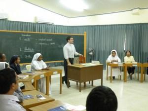 MFS 2009 - FR. ROCCO & FILIPINO AM 055
